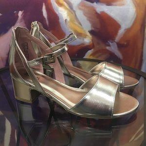 15fd6bc370ba3 MICHAEL Michael Kors Sandals for Women | Poshmark